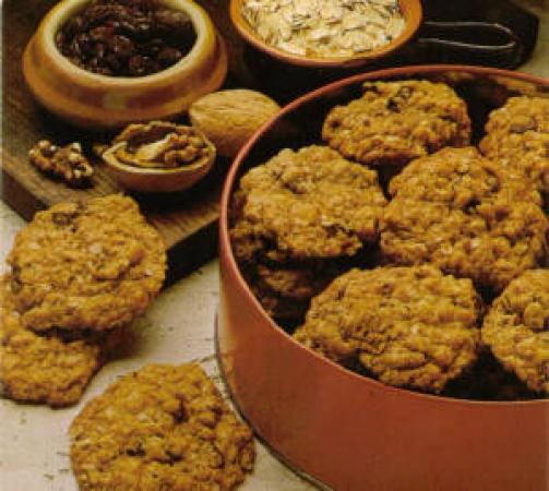 Crispy Oatmeal Cookies